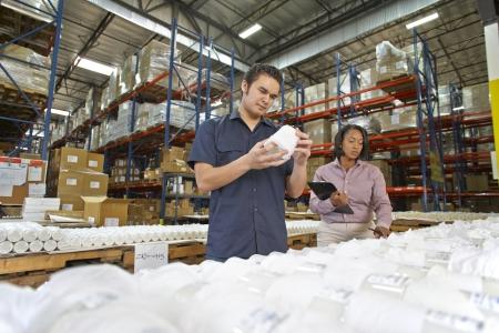 linea de produccion: Obrero y gerente Verificaci�n de Productos en L�nea de Producci�n
