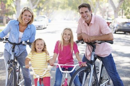 stabilizers: Ciclo de la familia en la calle suburbana