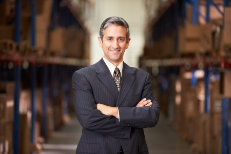 gestion empresarial: Retrato del encargado en el Almac�n Foto de archivo