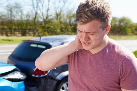 Driver Lijden Van Whiplash Na Traffic Collision Stockfoto