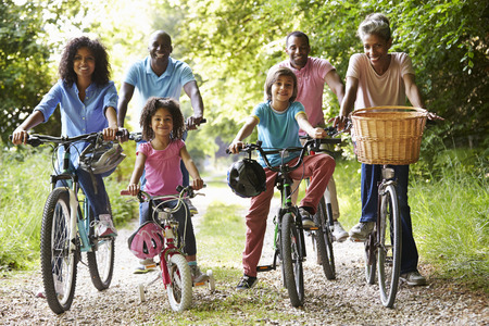 Multi Generation African American Family On Cycle Ride Banque d'images