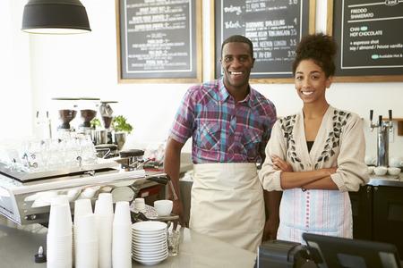 biznes: Kobieta właściciel kawiarni