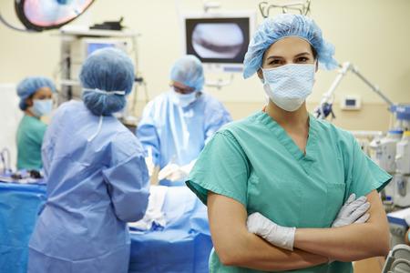 pielęgniarki: Portret pielęgniarka pracuje w Teatrze operacyjny