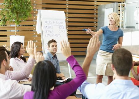 ležérní: Podnikatelka Making Prezentace, Office a kolegové