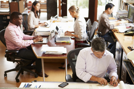 büro: Çalışan Personelin ile meşgul Mimarlık Ofisi Of İç
