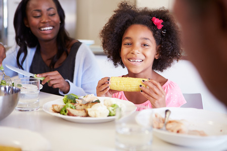 daughters: Madre e hija que Family Table comida en el