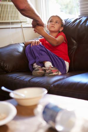 abuso sexual: Concepto de imagen para ilustrar el Abuso Infantil