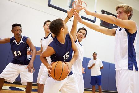 남자 고등학교 농구 팀 플레이 게임 스톡 콘텐츠