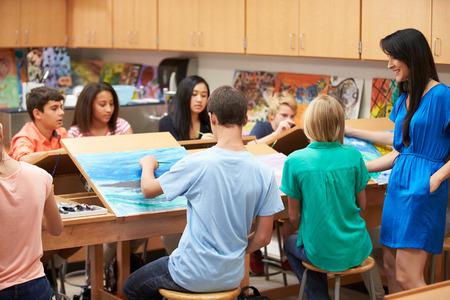 High School Art Class With Teacher 스톡 콘텐츠