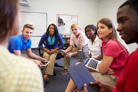 High School studenten die deelnemen aan Groep Discussie