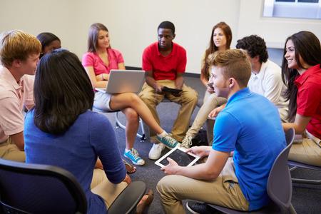 estudiante: Estudiantes de secundaria que participan en el Grupo de Discusi�n