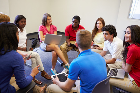 High School Students Taking Part In Group Discussion Stockfoto