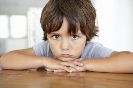 occhi tristi: Sad ragazzino