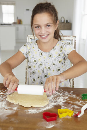 10 year old: Young girl baking
