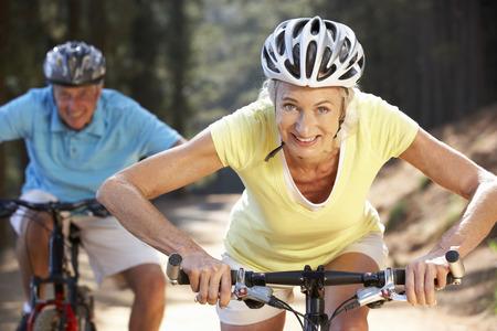 국가 자전거 타고 수석 부부 스톡 콘텐츠
