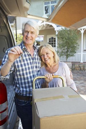 Senior couple moving house Stockfoto