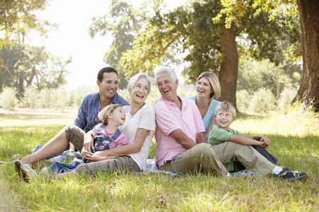 Drie generatie familie in het land Stockfoto