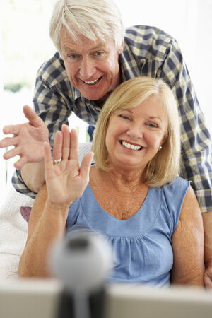 skype: Senior couple using skype
