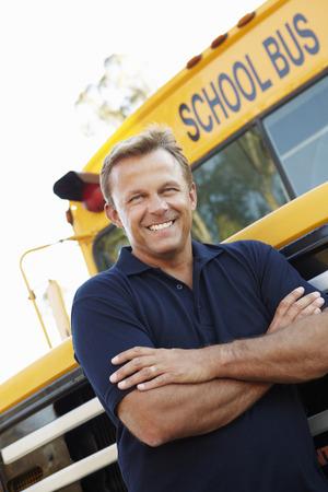 chofer de autobus: Conductor del autobús escolar