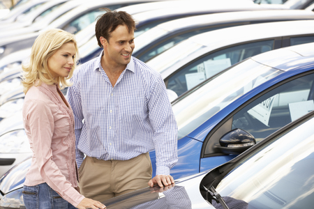 new car: Couple buying new car