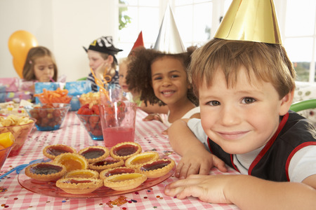 wallingford: Young children eating at birthday party