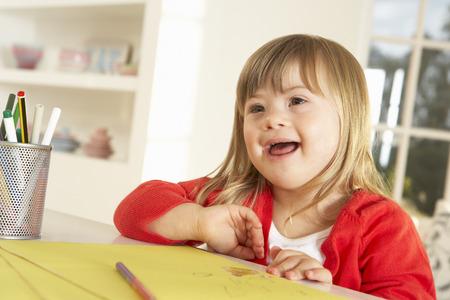 Meisje met het syndroom van Down tekening