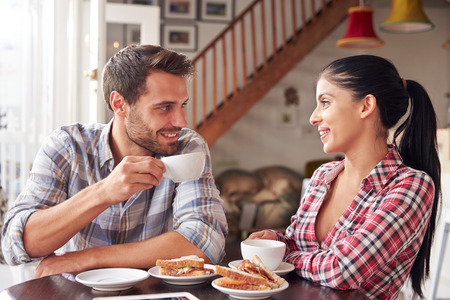 Couple meeting in a cafe Foto de archivo
