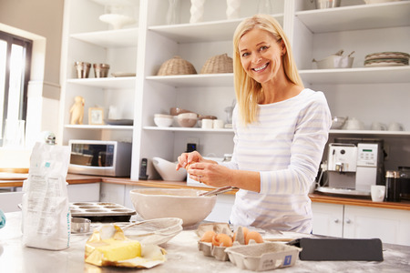 my home: Woman baking at home