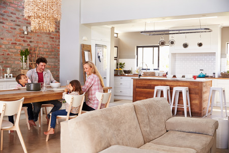copy room: Family mealtime at home