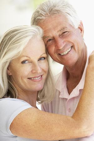 parejas enamoradas: Retrato de pares mayores románticos