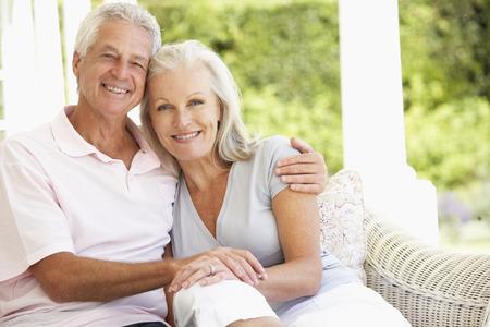 Portrét romantické senior pár
