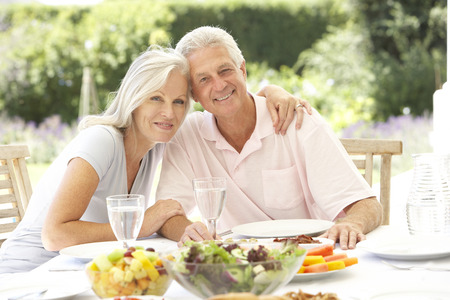 fresco: Senior couple enjoying al fresco meal