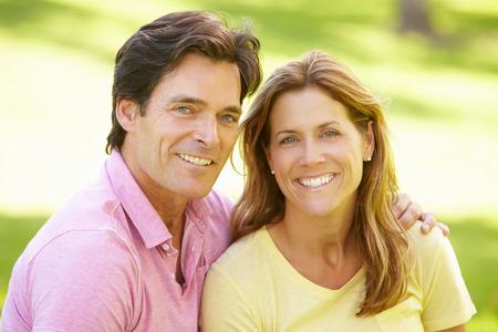 pareja saludable: Par al aire libre