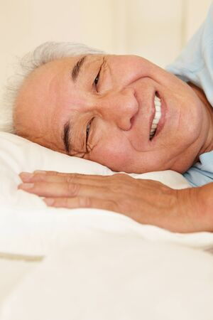 piheno: Senior tajvani férfi nyugalmi