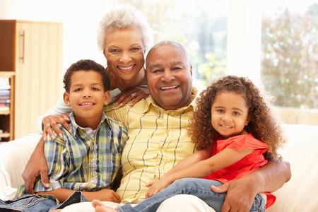아프리카 계 미국인 조부모와 손자