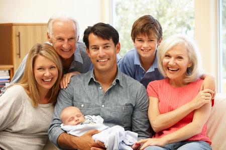 Gezinsportret van meerdere generaties Stockfoto
