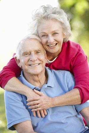 Senior couple in park Archivio Fotografico