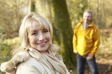 couple outdoor: Senior couple outdoors in winter