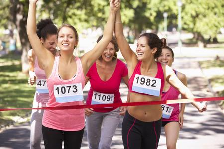 coureur: Groupe des athl�tes f�minines Compl�ter Charit� marathon