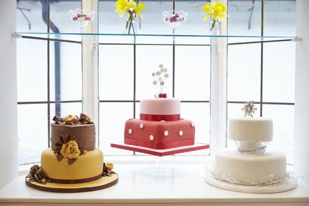 decoracion de pasteles: Window Display In Cake Decorating Shop