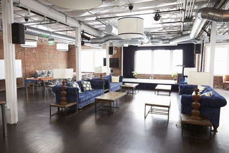 Binnenland Van Modern Design Bureau Met Zonder mensen