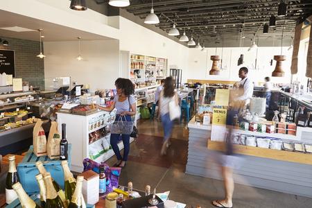 Binnenland Van Bezige Delicatessen met klanten