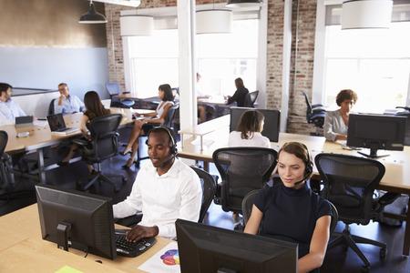 Widok Pracowników W Zajętym Dziale Obsługi Klienta