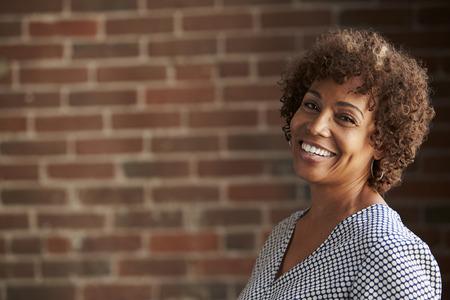 頭と肩の肖像画熟女実業家の 写真素材