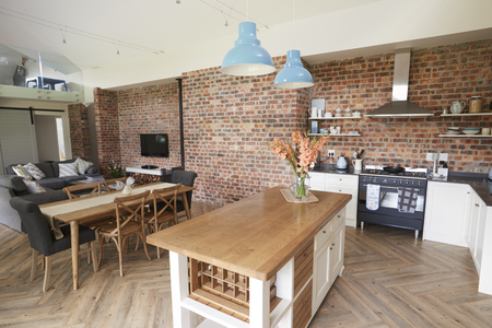 Huis Interieur Met Open Plan Keuken, Salon En Eetgedeelte