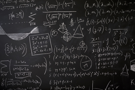 Tableau noir avec statistiques mathématiques, équations et idées Banque d'images - 92793202