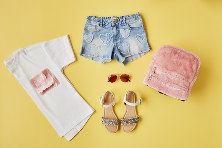 Flat Lay Shot Of Female Summer Clothing Banco de Imagens - 95959231
