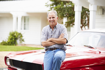 Portrait Of Retired Senior Man With Restored Car Banco de Imagens - 101630608