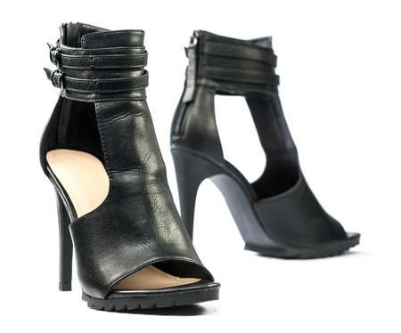 Fashionable High heels ankle boots for summer in black.