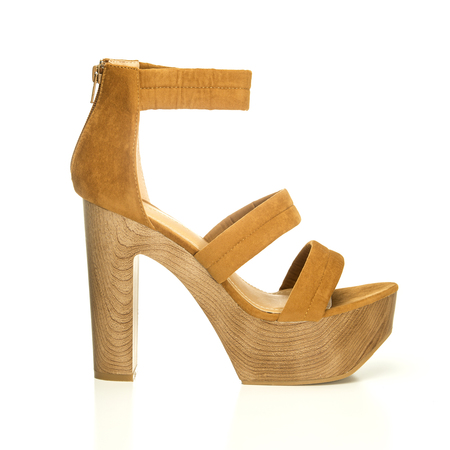 high heels shoe in brown suede and with platform sole in wood design;